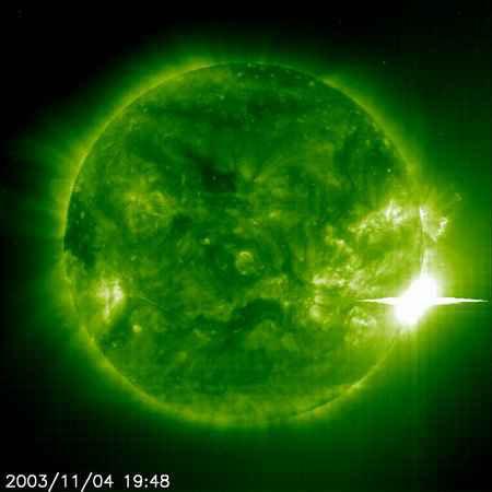 我国观测证实太阳耀斑能量来自扭缠磁场重联