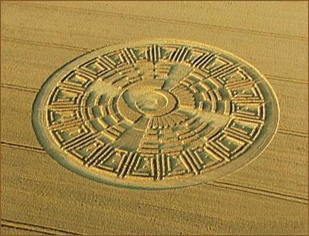 三维麦田圈引发诸多猜想疑与玛雅文明有关