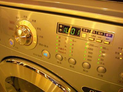 LG主攻高端市场发布全球首创蒸汽洗衣机