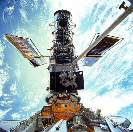 哈勃太空望远镜受损丧失大部分工作能力