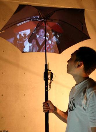 日本推出可上网的雨伞能拍照下载图片
