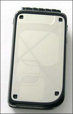开辟折叠之路--诺基亚全新7270手机图片赏