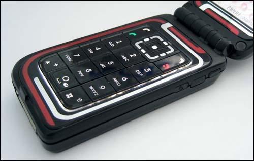 开辟折叠之路--诺基亚全新7270手机图片赏(4)