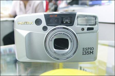 宾得买相机送相机 实用三脚架热卖
