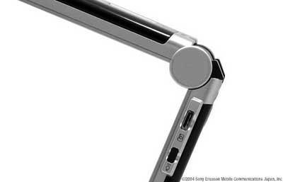 稳重大气索尼爱立信3G手机V800清晰图片赏(2)