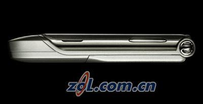 薄如刀片摩托罗拉V3超薄折叠机抢先评测(13)