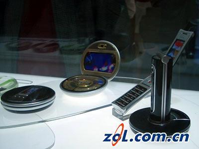 外星来客2004年亦真亦幻的概念手机全赏
