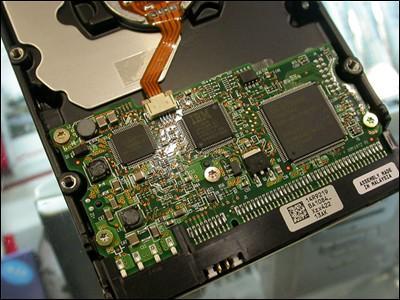 日立硬盘再报惊人低价160GB仅售795元