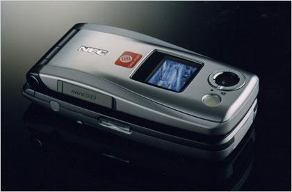 挺进二百万像素豪门NEC折叠机N840冷酷登场