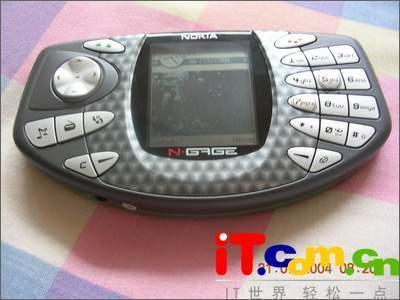 北京市场诺基亚游戏手机N-Gage走俏涨200元