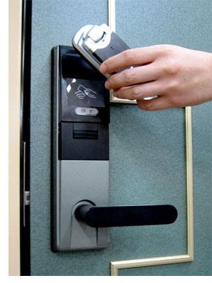 日本推出移动新技术开门不用钥匙用手机