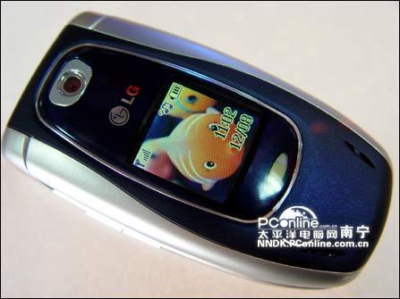 超强娱乐功能LG折叠拍照手机G220新鲜上市