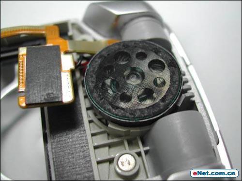 外形吸引内功实在LG丽音手机C930拆解评测