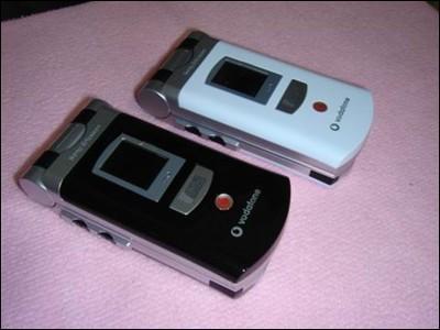 索爱3G手机V800黑白大比拼你更喜欢哪一款