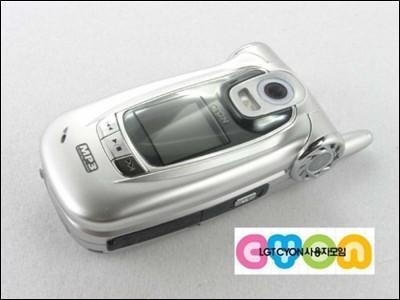 新镜头大功能LG一鼓作气推出三款兄弟手机