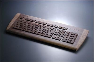 天价键盘现世:紫檀木做原材料纯手工打造