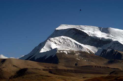 组图:气势磅礴的纳木那尼雪峰
