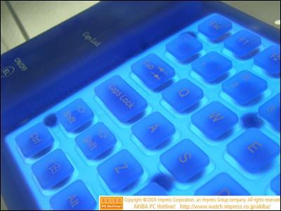 柔软发光+防水防尘神奇键盘低价上市
