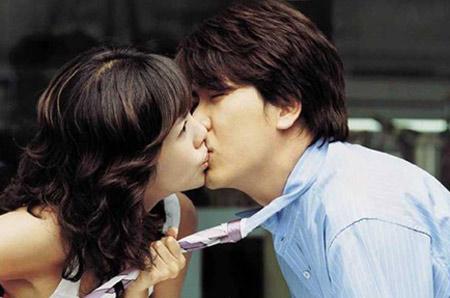 元旦你俩去哪激情接吻
