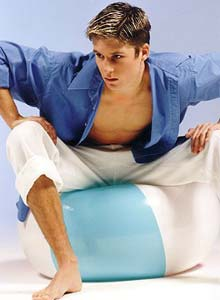 男人坐凉椅子损害性功能(图)