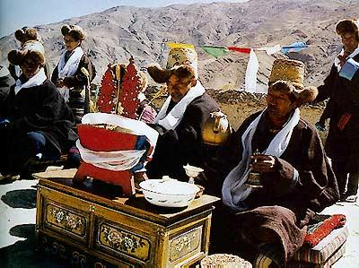 旧西藏贵族严密婚俗一瞥(图)