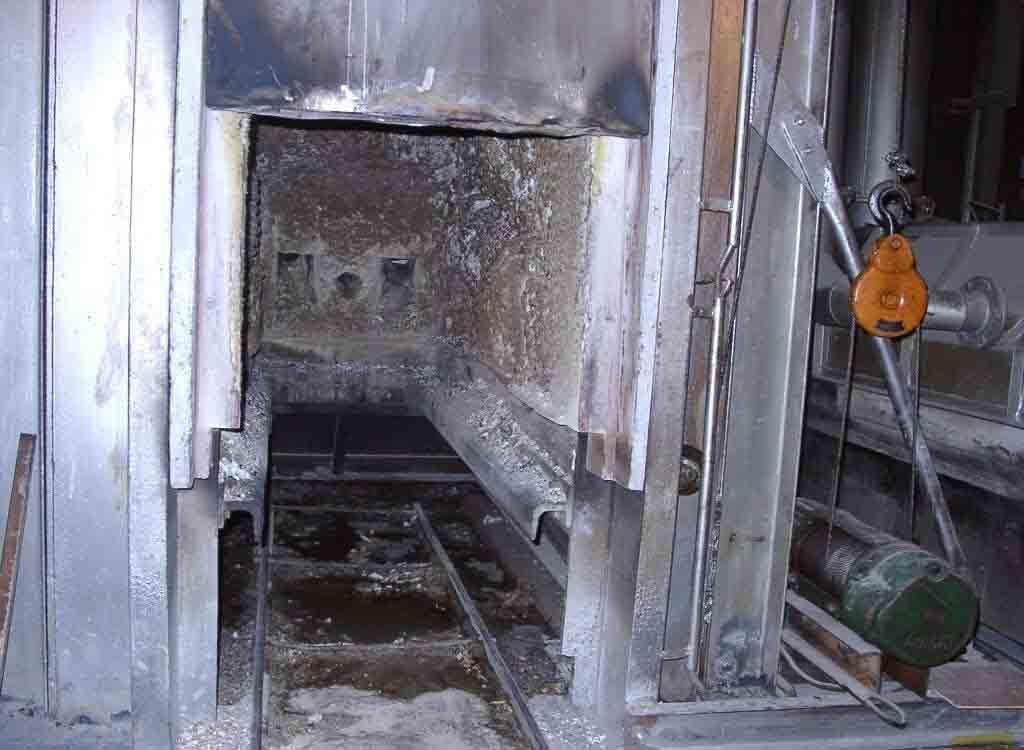 贴图 死后/人死后是怎样被烧成灰的//火葬厂内部图片暴光