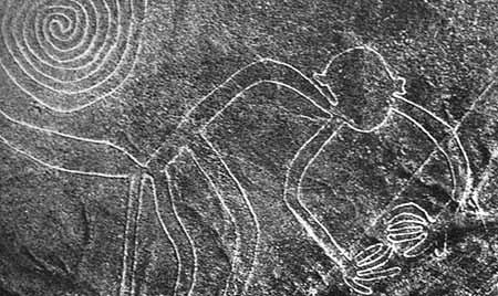 陶器和纺织品的动物图案与纳斯卡地区地面线纹和绘画图形十分相似,故