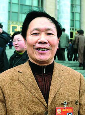 政协委员建议应开办农村住房抵押贷款业务