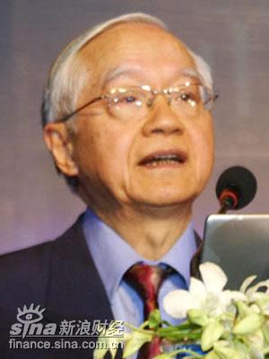 吴敬链:帮助政府完善市场经济是企业家社会责任