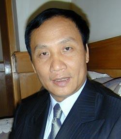 《财经》杂志:肇庆市长因74亿元骗贷巨案去职