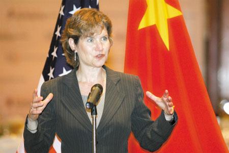 美国贸易代表认为美中应通过悄悄对话解决争端