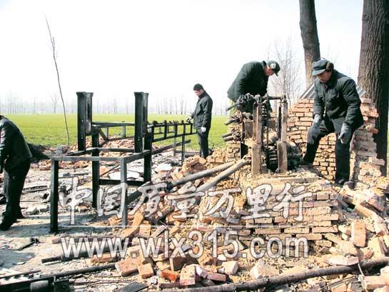 沈丘:鞭炮厂包围小村庄