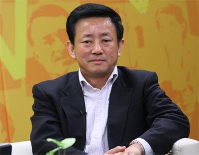 樊纲:人民币小步升值符合中国经济增长需要