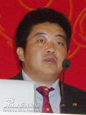 图文:华旗资讯总裁冯军