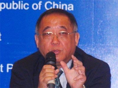 图文:IBM中国有限公司首席代表任培善在作演讲