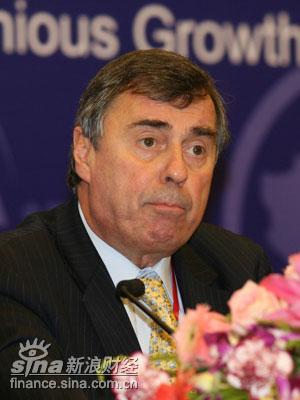 图文:世界银行高级副行长弗朗索瓦-布吉尼翁