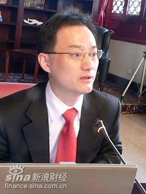 图文:东方卫视总经理徐威发言