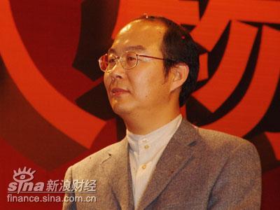 图文:刘东华为高德康开奖