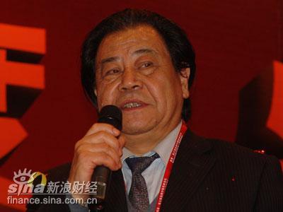 图文:品牌中国产业联盟主席艾丰致欢迎辞