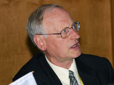 图文:美国国家科学基金教授Von-Furstenberg