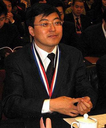 伊利集团董事长潘刚荣获团中央管理创新金奖