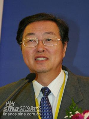 周小川:金融企业员工持股进展不顺利