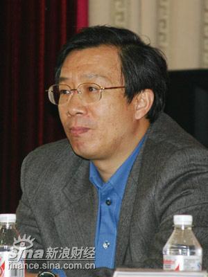 人民银行行长助理易纲谈稳健的货币政策实录