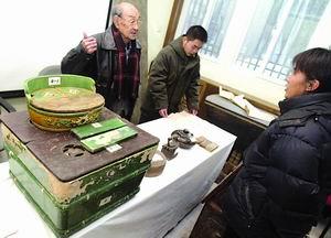 捐出三代传家宝百岁老冰箱移居首博(图)
