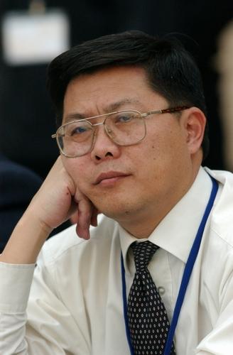 亚行中国首席经济学家汤敏:央行加息箭在弦上