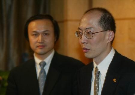 现场图片:新浪网CEO茅道临与北京青年报张延平