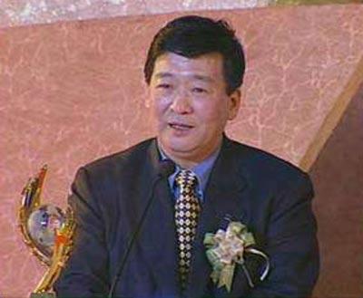 2001年度经济人物 倪润峰
