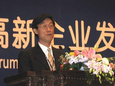 图文:联想集团高级副总裁联想研究院院长贺志强