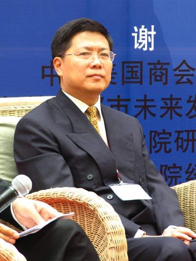 图文:亚开行驻中国代表处首席经济学家汤敏