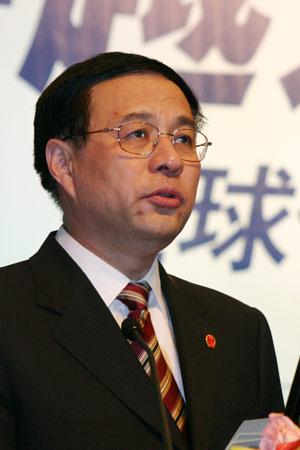 图文:上海市常务副市长冯国勤